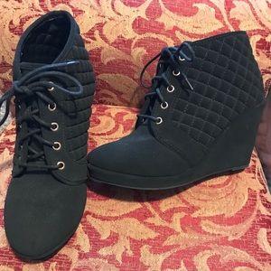 Women's boots / booties